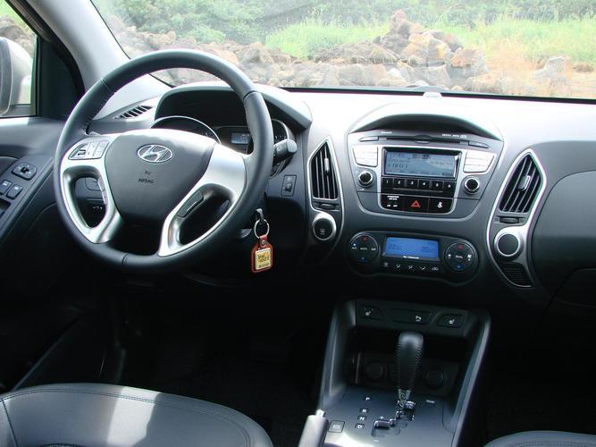 https://www.autolagon-guadeloupe.com//_medias/cars/modeles/MOD00009_1.jpg